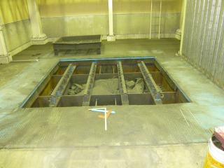 フラン自硬性砂処理再生装置